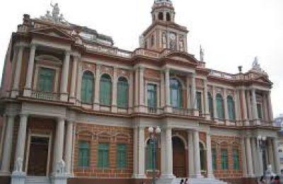 São cinco escolas privadas conveniadas com a prefeitura.